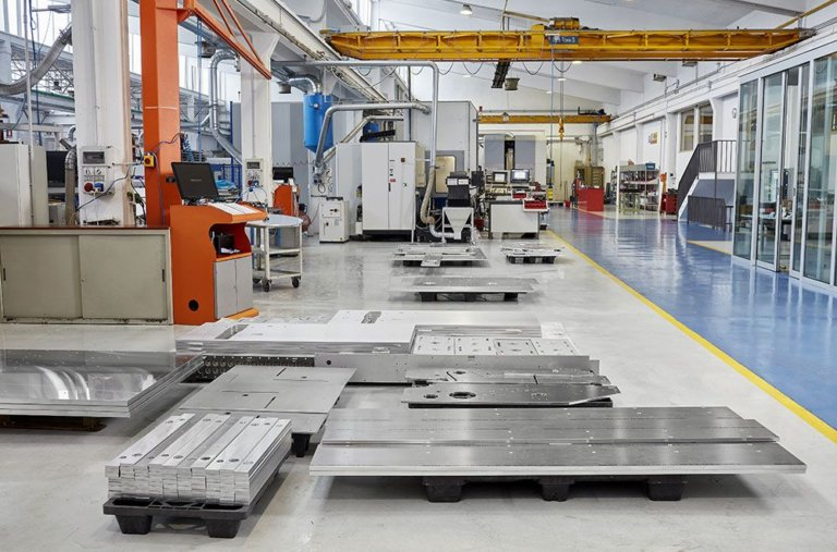 Xưởng sản xuất cơ khí