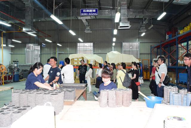 visit-Yanase-Vietnam-in-Kizuna-1